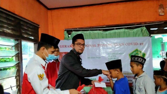 Pemuda Muslim Beri Santunan kepada Anak Yatim pada 4 Kabupaten dan Kota di Banten