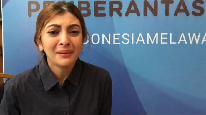 Muncul di Publik Sambil Nangis, Sarah Keihl Ungkap Chat yang Beredar Soal Settingan adalah Hoaks