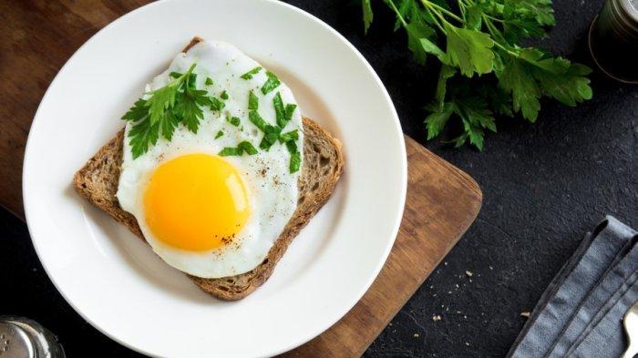 Roti panggang dengan telur.