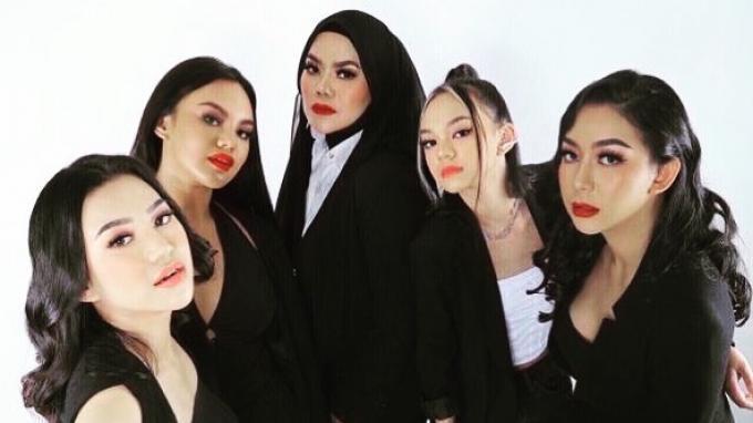 Sarita Abdul Mukti Pamerkan Keharmonisan dengan Keempat Anak Perempuannya, Intip Momennya