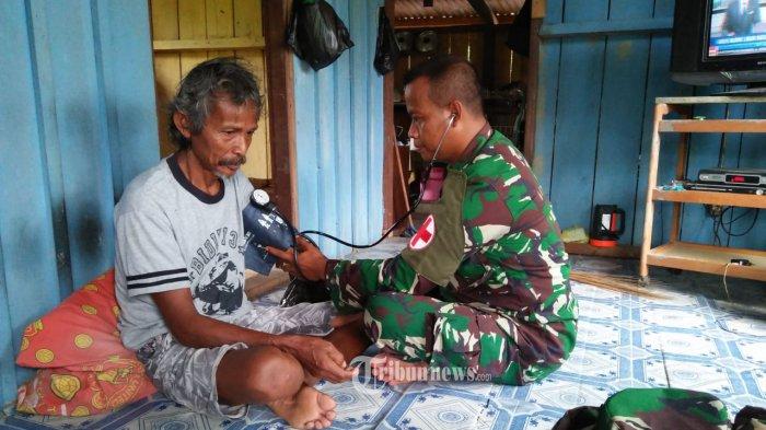Sambut Lebaran, Satgas Pamtas Yonif PR 328/DGH Lakukan Pengobatan Door To Door