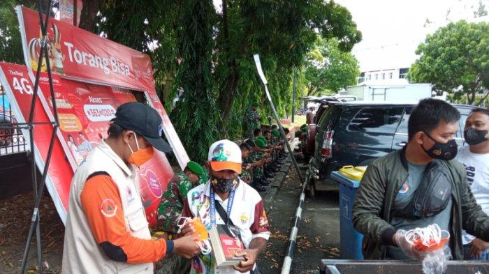 Satgas Prokes PON XX Papua Bagikan 2 Juta Masker