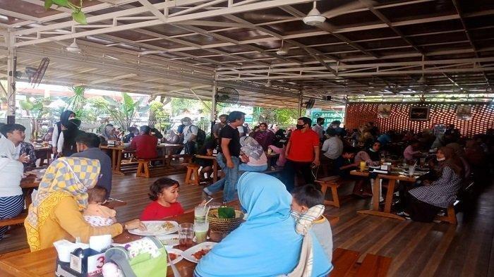Nasib Emak-emak yang Viral Komentari Prokes Restoran di Padang: Diamankan Polisi, Ngakunya Iseng