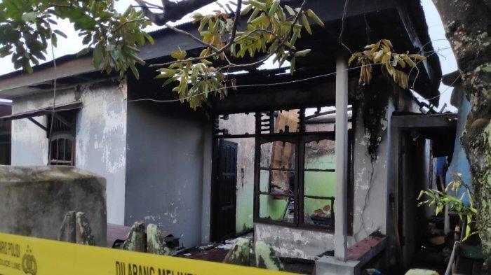 Satu Keluarga di Botang Lolos dari Maut, Rumah Terbakar saat Tertidur, Tetangga Dobrak Pintu