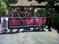 Save Trowulan: Akhirnya, Bupati Hentikan Pabrik Baja