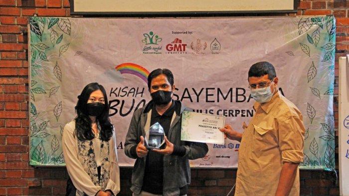 Lima Pemenang Lomba Cerpen Anak Sayur Kendal Terima Penghargaan