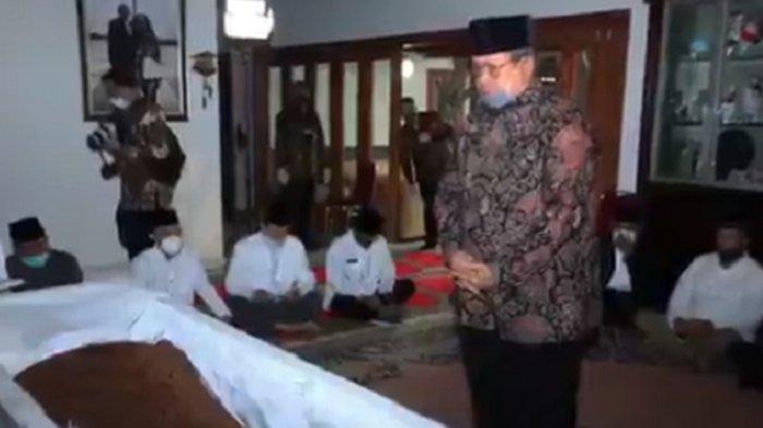 SBY melayat jenazah adik iparnya, Pramono Edhie Wibowo