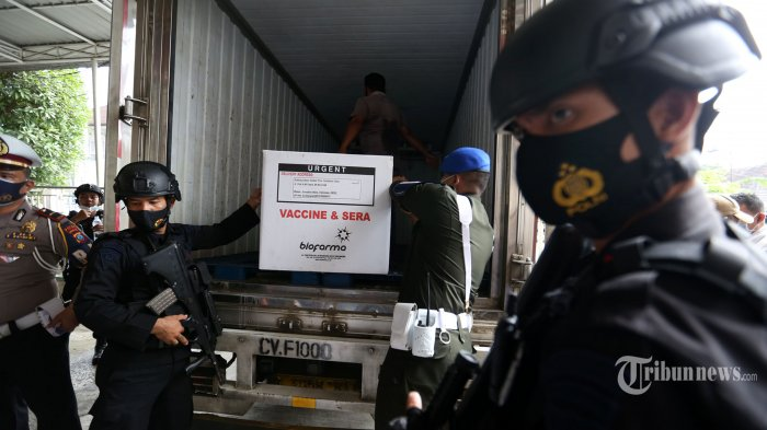83.566 Polisi Kawal Distribusi Vaksin Covid-19 hingga ke Titik Baksinasi di Seluruh Indonesia