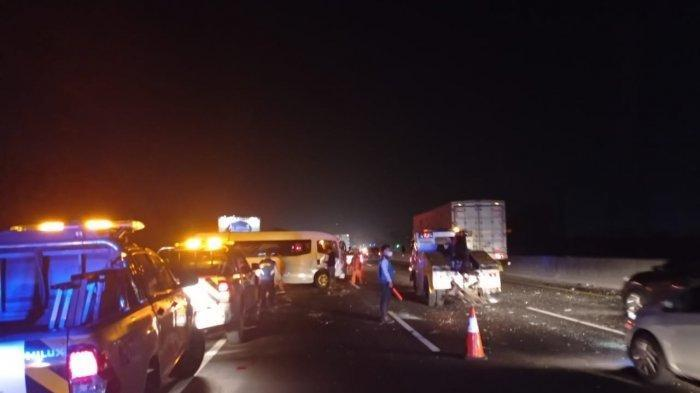 8 Mobil Terlibat Kecelakaan Beruntun di Tol Jakarta-Cikampek
