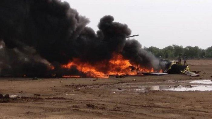 Sebuah Helikopter Mi-17 milik Penerbad jatuh di lahan proyek Kawasan Industri Kendal (KiK), Sabtu (6/6/2020). (2) (Istimewa)