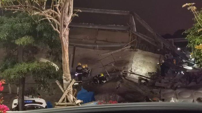 Sebuah hotel berlantai lima runtuh di Quanzhou, provinsi Fujian, pada Sabtu malam.