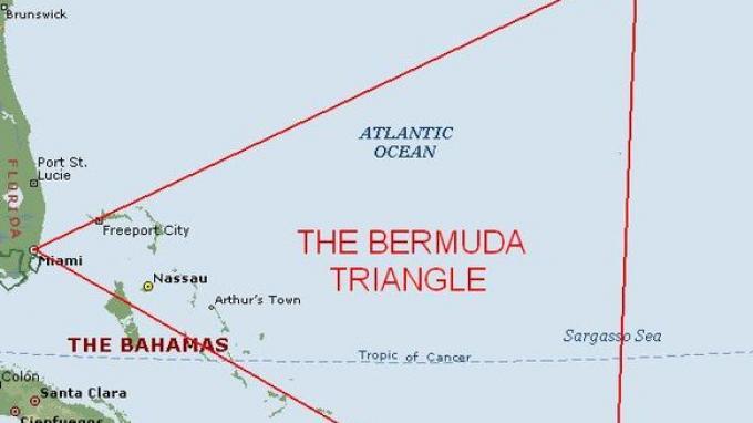 Cerita Pilot Pria dan Wanita yang Berhasil Melewati Segitiga Bermuda