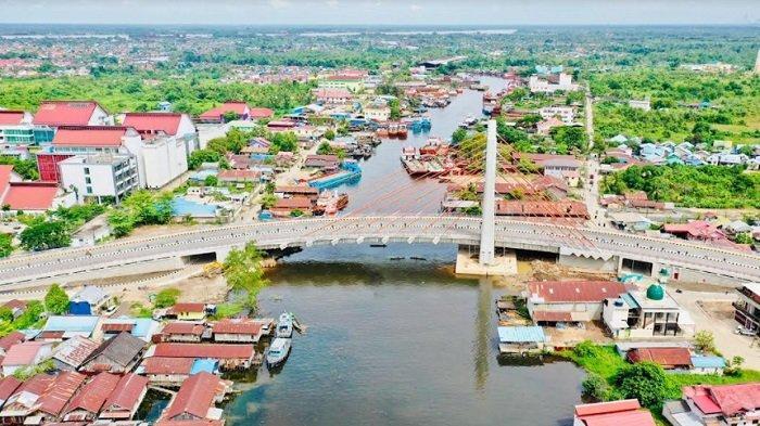 Presiden Jokowi Minta Jembatan Sei Alalak Segera Dibuka