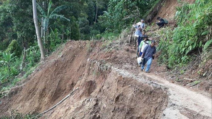 Penderitaan Korban Bencana di Lebaksitu Bertambah, Pascabanjir Harga Gas 3 Kg Mencapai Rp 80 Ribu