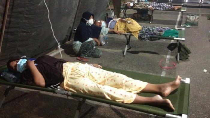 Sejumlah Pasien RSUD M Zein Painan Pesisir Selatan Terpaksa Harus Dirawat di Tenda Darurat