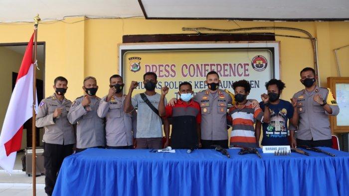 Sejumlah Simpatisan KKB di Papua Menyerahkan Diri ke Polres Kepulauan Yapen