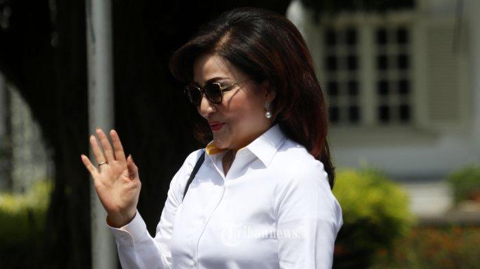 Bupati Minahasa Selatan Christiany Eygenia Paruntu tiba di Kompleks Istana Kepresidenan, Jakarta, Senin (21/10/2019).