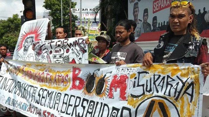 Inilah Cara Komunitas Punk Blitar Bersimpati  Korban Teror Bom Surabaya