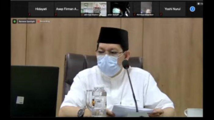 Sekjen MUI Amirsyah Tambunan saat konferensi pers secara virtual dari kantor MUI, Jakarta Pusat, Rabu (7/4). Konpers menyikapi bencana yang terjadi di Nusa Tenggara Timur.