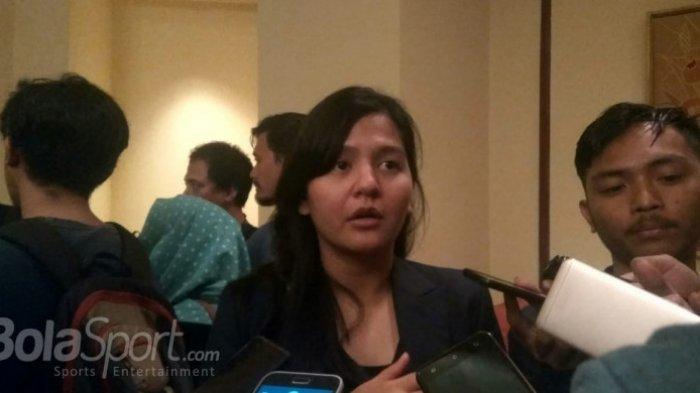Sekjen PSSI, Ratu Tisha Destria, menjawab pertanyaan wartawan di Hotel Sultan, Jakarta, Rabu (3/10/2018).