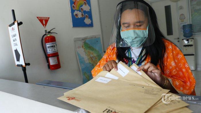 Sekolah di Pulau Jawa Belum Boleh Buka karena Tidak Ada yang Berada dalam Zona Hijau