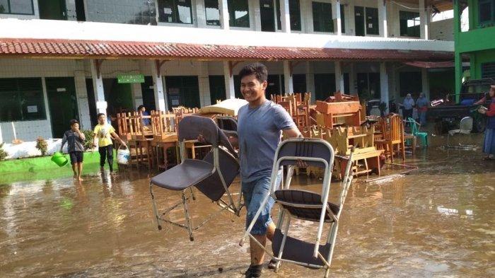 Banjir Terjang Pesantren di Garut, Soal Ujian Kenaikan Kelas Turut Hanyut