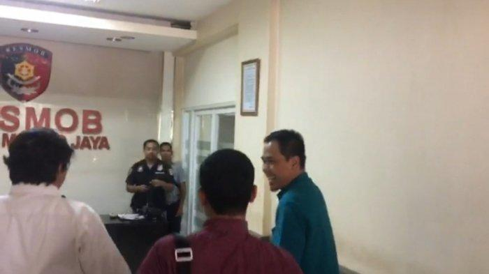 Penuhi Panggilan Penyidik Resmob, Ini Ekpresi Sekretaris FPI Munarman
