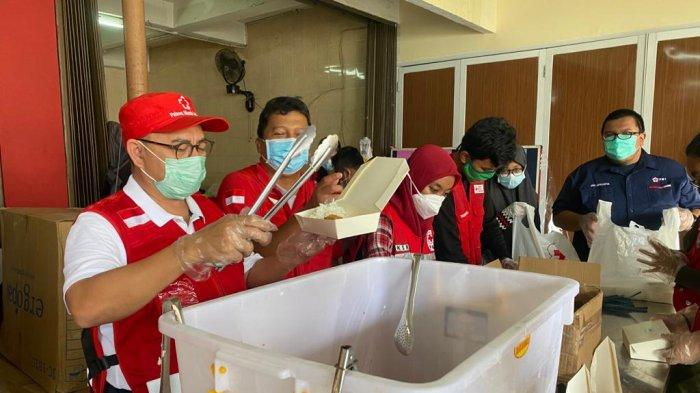 Sudirman Said Tinjau Dapur Umum PMI Jakarta Timur Untuk Korban Banjir