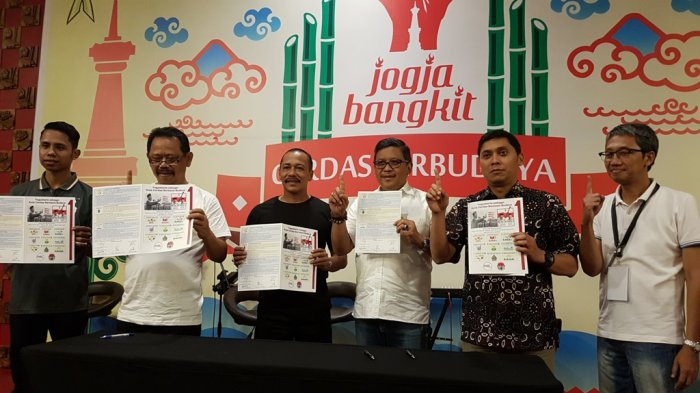 Imam Priyono-Achmad Fadli Tanda Tangani Kontrak Politik Gerakan Jogja Berbudaya