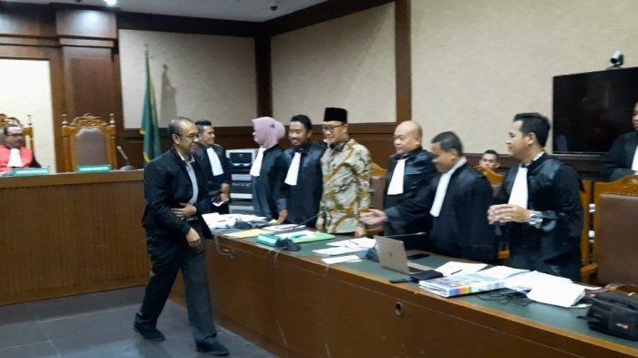 Imam Nahrawi dan Sesmenpora Gatot S Dewa Broto Bersitegang di Ruang Sidang