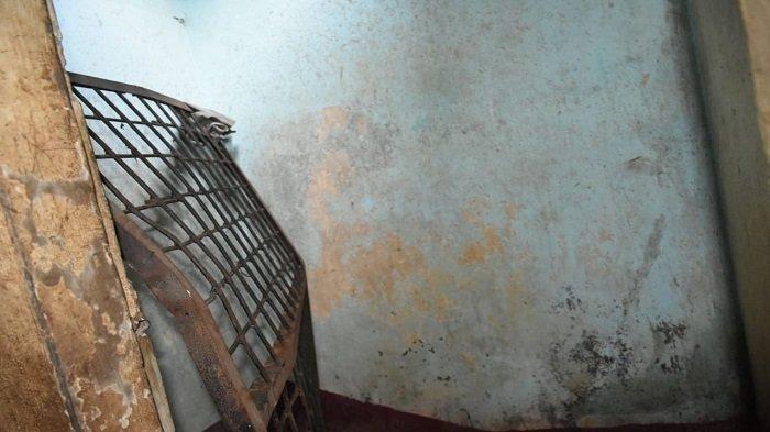 Gergaji Besi Plafon, 4 Tahanan Narkoba Kabur di Polresta Malang