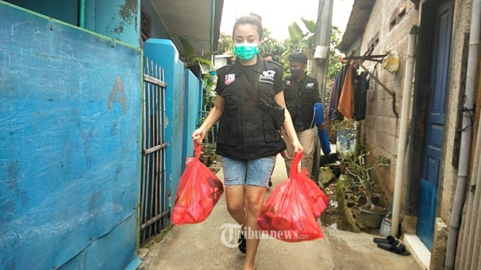 Selebgram Tasya Revina Galang Donasi Untuk Berbagi Sembako Pada Korban Banjir