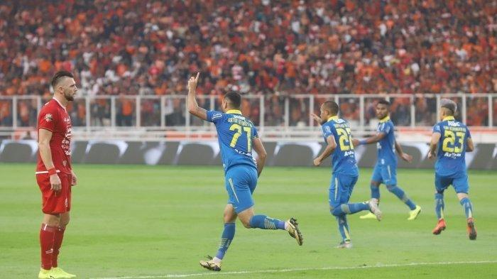Selebrasi Artur Gevorkyan usai menjebol gawang Persija Jakarta.