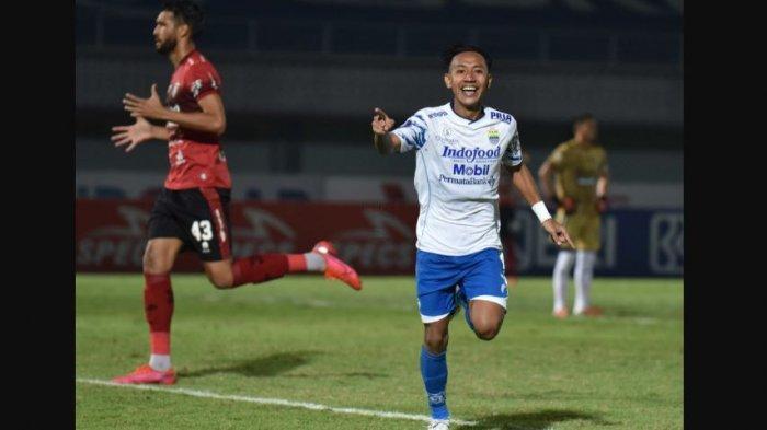Selebrasi gelandang Persib Bandung, Beckham Putra saat membela timnya di pekan ketiga BRI Liga 1 2021 melawan Bali United yang berakhir dengan skor imbang 2-2 di Stadion Indomilk, Sabtu (18/9) malam.