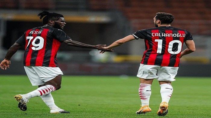 Magis Sang Trequartista Hakan Calhanoglu Semakin Menjadi-jadi Bersama AC Milan