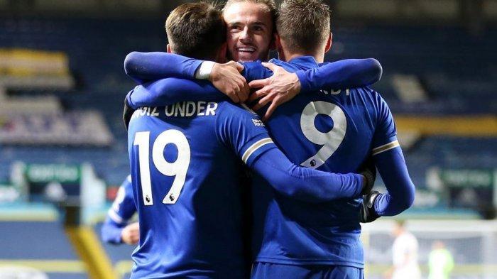Selebrasi Jamie Vardy dan dua pemain Leicester City setelah bobol gawang Leeds dalam lanjutan pekan ketujuh Liga Inggris 2020/2021.