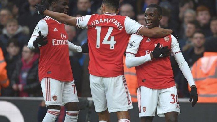 Selebrasi pemain Arsenal setelah mencetak gol