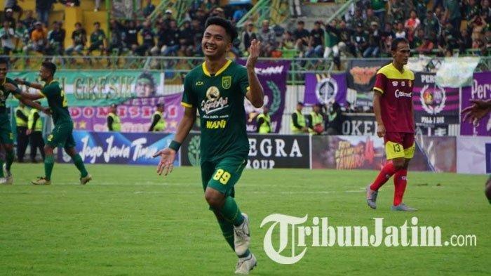 Hambali Tolib mencetak gol perdananya bersama Persebaya Surabaya saat lawan Persik Kediri dalam laga perdana Piala Gubernur Jatim 2020 di Stadion Gelora Bangkalan, Senin (10/2/2020).