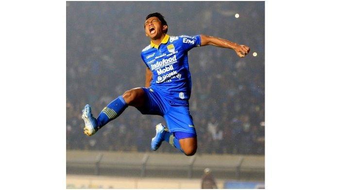 Selebrasi pemain Persib Bandung, Febri Hariyadi, saat menghadapi PSIS Semarang di Stadion Si Jalak Harupat, Bandung, Rabu (6/11/2019).