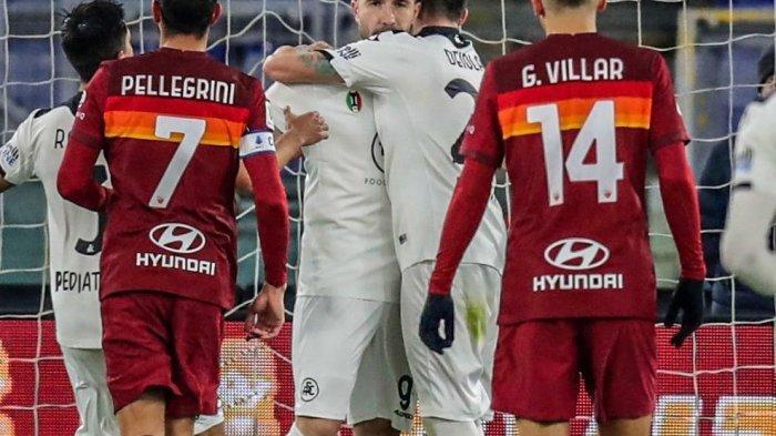 Hasil Coppa Italia: Diwarnai Dua Kartu Merah, Spezia Kalahkan 9 Pemain AS Roma di Olimpico