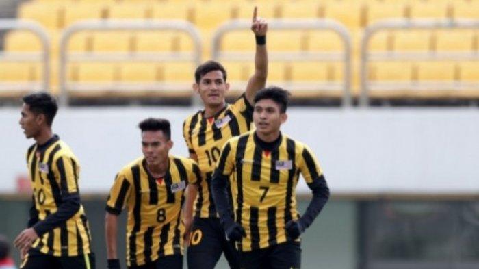 Selebrasi pemain timnas U-19 Malaysia seusai membobol gawang timnas U-19 Indonesia pada laga Grup F Kualifikasi Piala Asia U-19 2018 di Stadion Paju, Korea Selatan, Senin (6/11/2017) pagi WIB.
