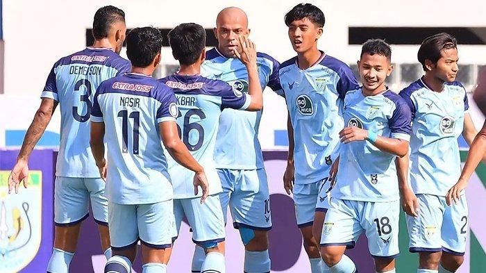 Selebrasi perayaan gol Ivan Carlos saat Persela Lamongan mengalahkan Persipura pada pekan kedua BRI Liga 1 2021 di Stadion Wibawa Mukti, Jumat (10/9/2021).