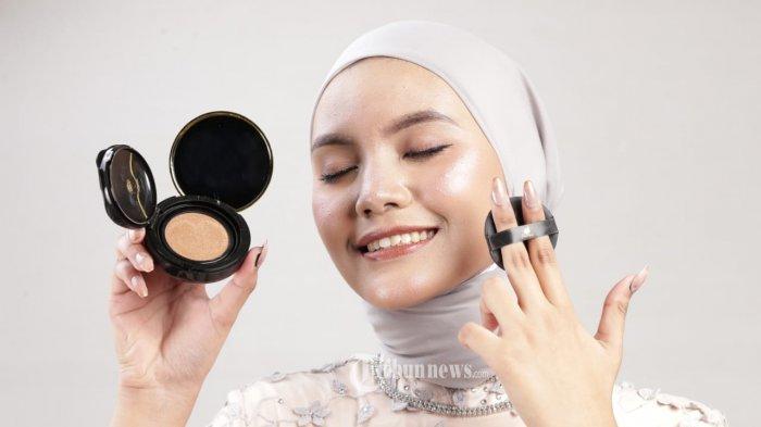 Seluruh produk Helwa Cosmetics seperti BB Cushion, Loose Powder, Eyeliner pen, Eyebrow dan juga Lipcream sudah terdaftar oleh BPOM dan terjamin kualitasnya. Sehingga masyarakat tidak perlu ragu untuk menggunakan produk Helwa Cosmetics dan masyarakatpun bisa membelinya dengan harga yang kompetitif. TRIBUNNEWS.COM/IST