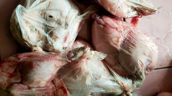 Warga KBB Terima Sembako Daging Ayam Membiru Bau Busuk, Telur Ada Belatung, Ini Kata Kadinsos KBB