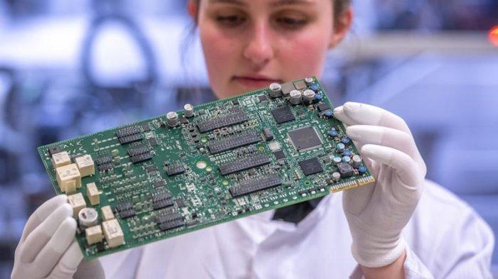 Ford Pangkas Produksi, Nissan Merugi Akibat Krisis Pasokan Chip Semikonduktor