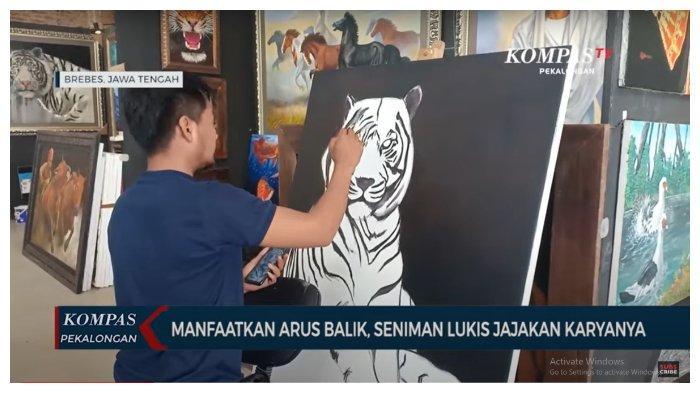 Gelar Pameran di Rest Area Tol, Seniman Lukis Brebes Manfaatkan Arus Balik untuk Tawarkan Karya