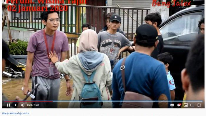 Seorang camat (baju biru) yang tampak memarahi seorang relawan di kawasan Wisma Tajur, Ciledug, Kota Tangerang, Kamis (2/1/2020).