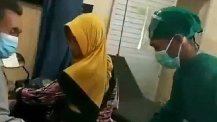 Viral Emak-emak Masukkan Motor ke Ruang IGD Antar Tetangganya yang Sakit, Ini Faktanya