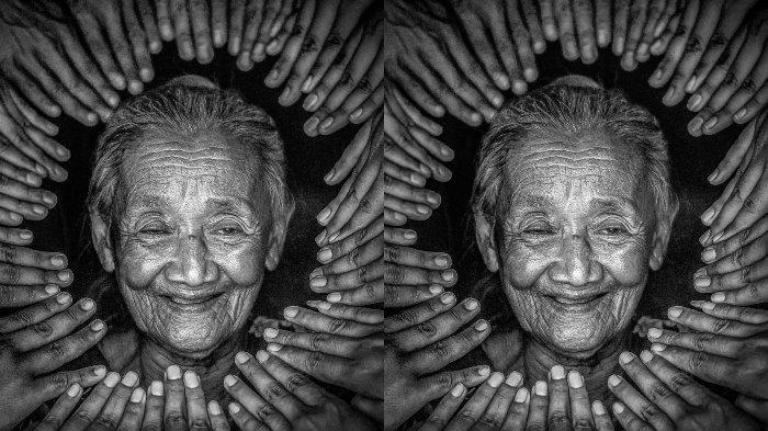 Seorang nenek asal Pekalongan bernama Mbah Diseh tiba-tiba menjadi viral setelah menjadi model. Videonya sampai ditonton 14 juta kali.
