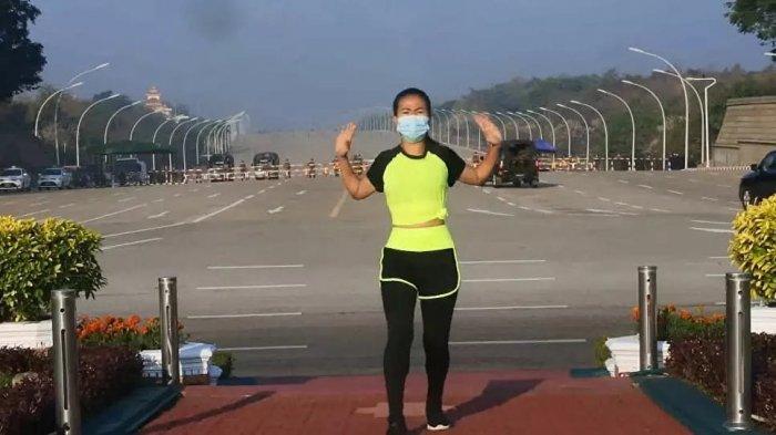 Seorang perempuan di Myanmar bernama Khing Hnin Wai merilis video dalam laman Facebooknya yang menunjukkan bahwa dirinya melakukan aerobik, saat konvoi kendaraan militer berlangsung di belakangnya.